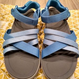 NWT Teva Sanborn Sandal